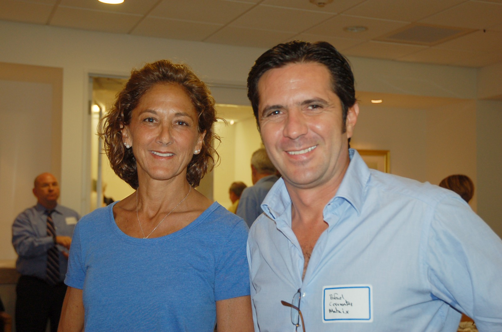 Captains Wendy Umla and Rafael Cervantes network at the YCA meeting. Photo Lucy Reed