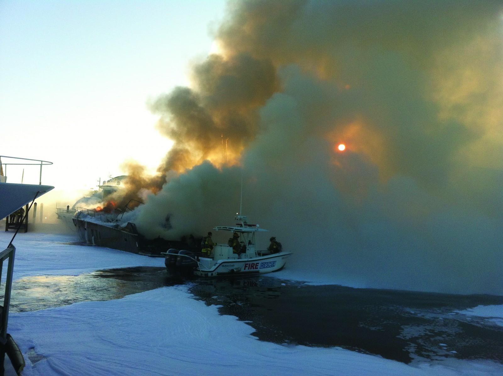 A4 Fire New River marina JT 002