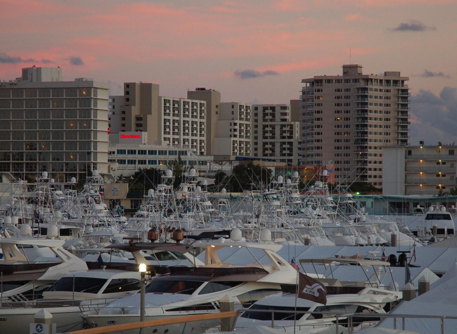 STOCK-dusk-yachts-building-
