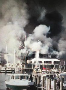 Annapolis Yacht Club burns