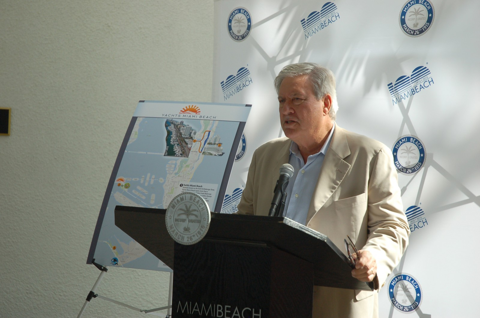 "Efrem ""Skip"" Zimbalist III, CEO of Show Management, explains show changes at Miami Beach City Hall Dec. 9. PHOTO/DORIE COX"