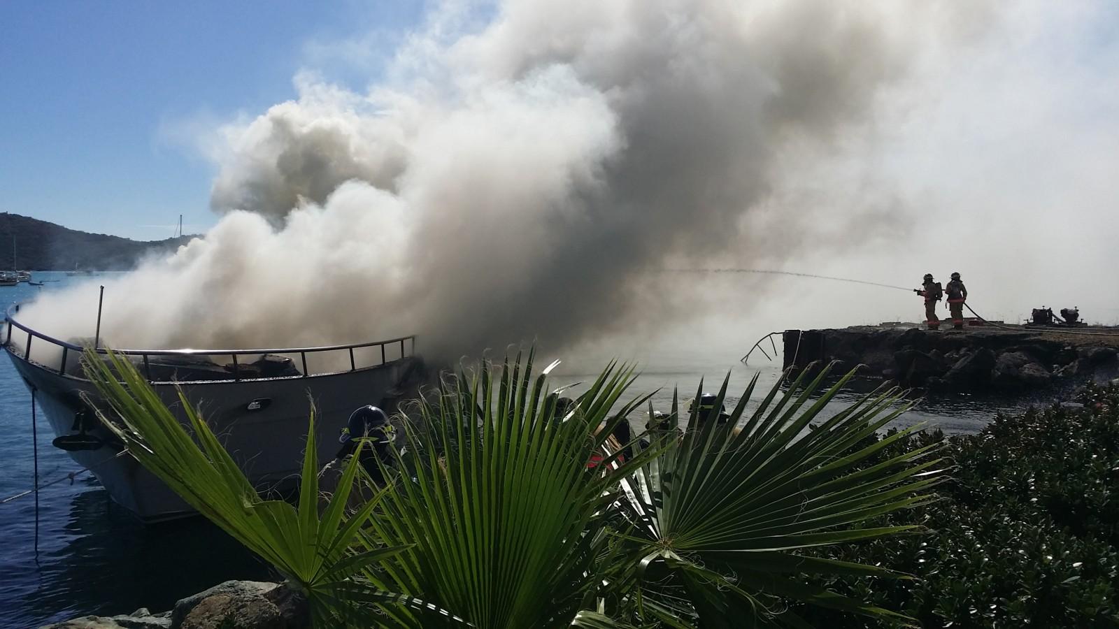 Yacht Haven Grande fire Dean Barnes photo credit (10)
