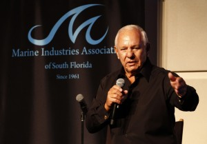 Bob Roscioli receives Golden Anchor award