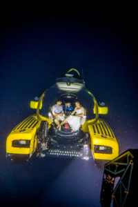 Couple tie the knot 3,000 feet under the sea