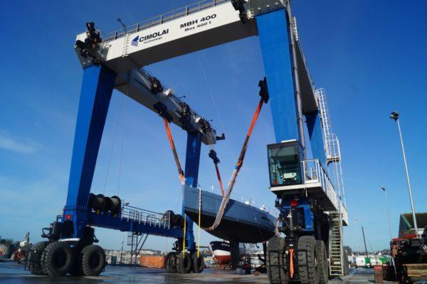 French shipyard gets 400-ton lift