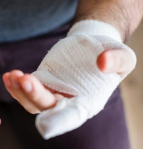 Sea Sick: Save severed finger with correct response