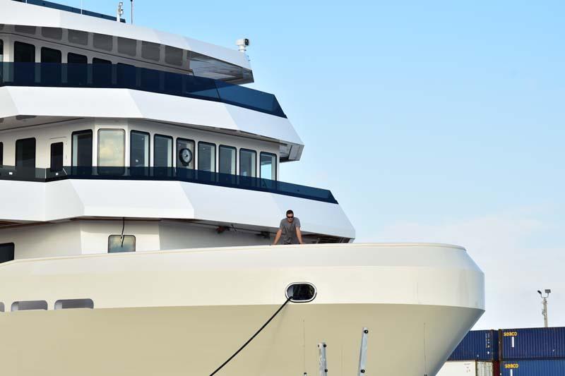 M/Y Voyager departs Fort Lauderdale