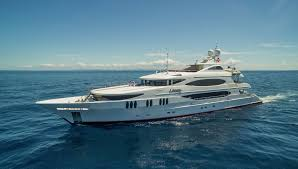 Latest news in the brokerage fleet: Lohengrin, Bella Una sell