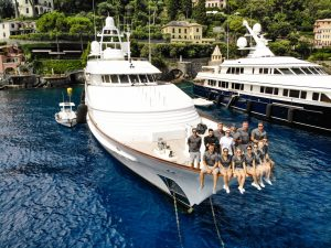 M/Y Vixit shares a Crew Eye