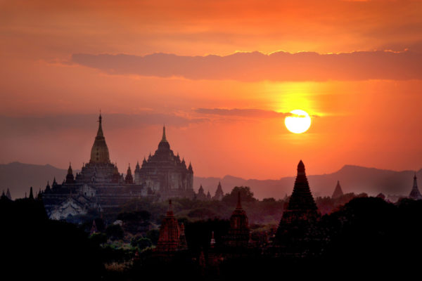 Myanmar facilitates access for tourists, yachts