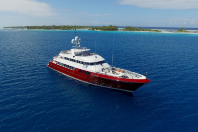 Latest in the brokerage fleet: New Admiral sold; Qing listed