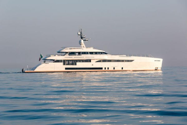 Latest in the brokerage fleet: New Amels, Cecilia sold; Africa I listed